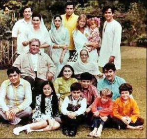 kapoor family Top Five Filmy Families of Bollywood