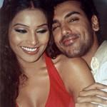 john abraham bipasha basu 150x150 Hottest Celebrity Couples –  Time tested togetherness