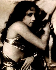 lalita pawar item girl 239x300 Bollywood Vamps Whove Lit Up Screens with Evil and Feline Grace