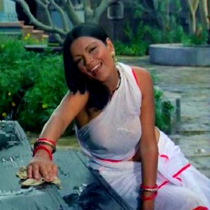 zeenat aman white sari satyam shivam sundaram Zeenat Aman – A Touch Of Class With Unlimited Oomph