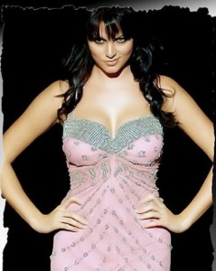 yana gupta9 239x300 Yana gyrates to 'Laila' – Zeenat applauds