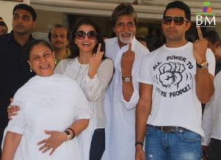 bachchan family Top Five Filmy Families of Bollywood